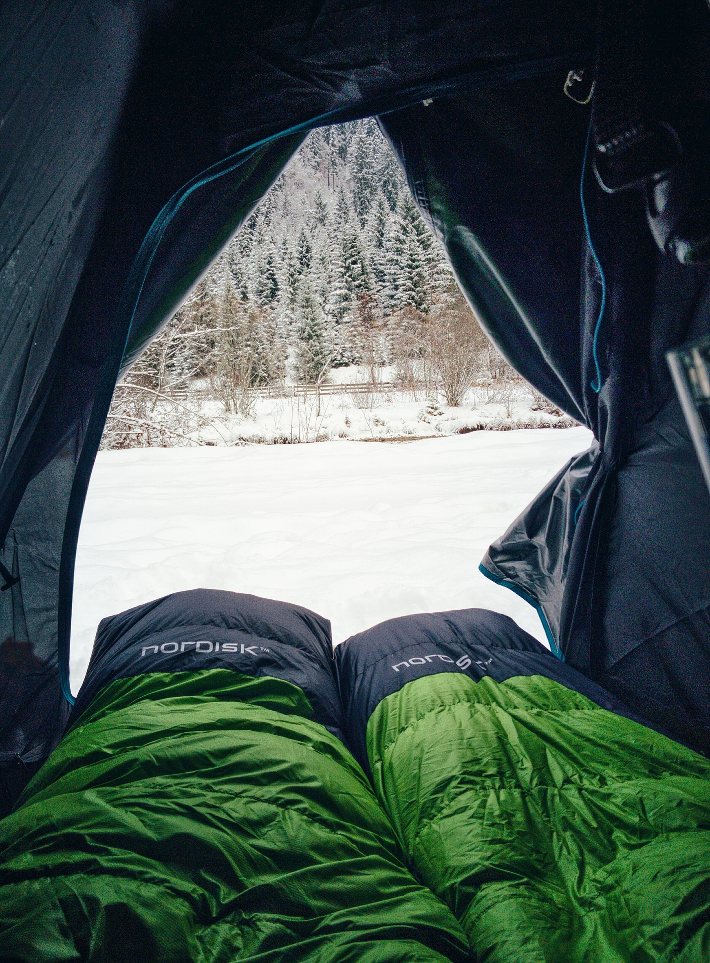Winter camping gear Eonic
